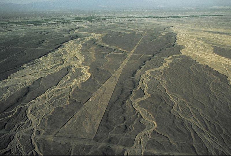 Le trapèze - Lignes de Nazca