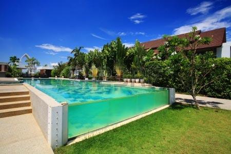 piscine de luxe images et photos arts et voyages. Black Bedroom Furniture Sets. Home Design Ideas