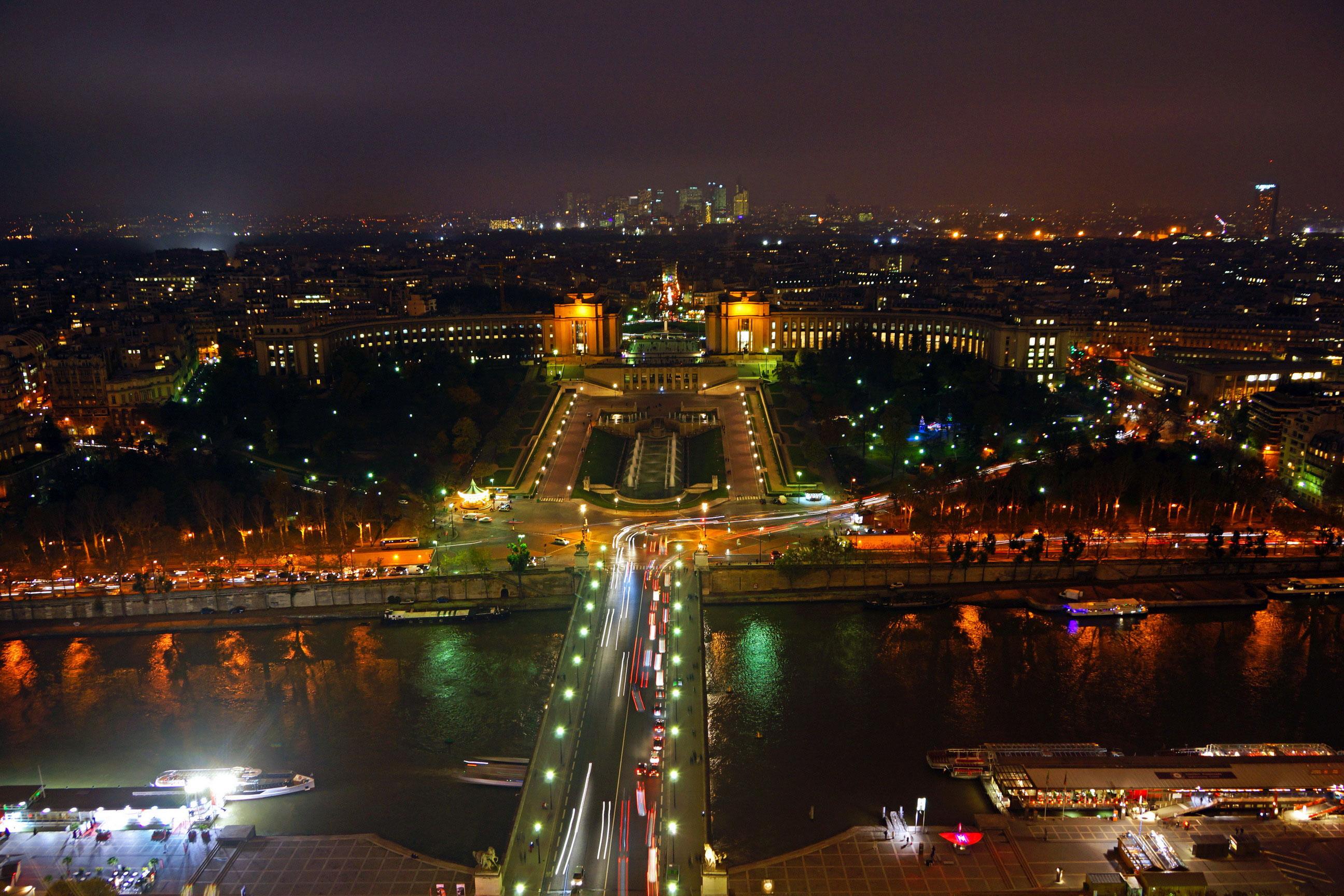 ville de paris la nuit