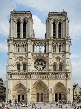 Parvis Notre Dame de Paris
