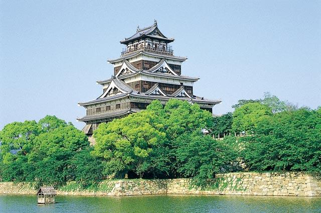chateau-de-hiroshima