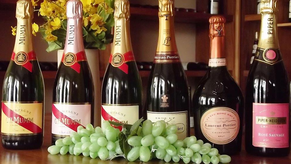 Bouteilles de Champagne Mumm
