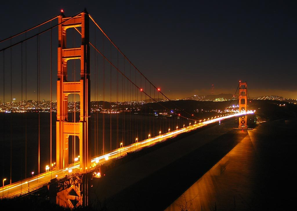 Golden Gate Bridge by night