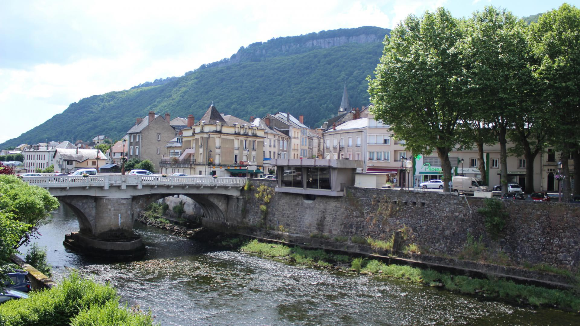 bort-les-orgues-village