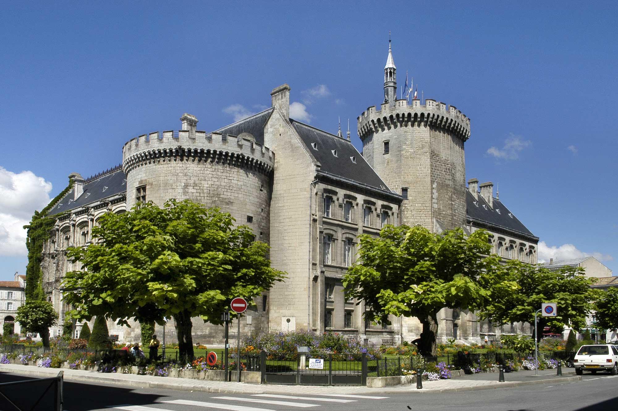 Angoul me r gion poitou charentes arts et voyages for Rochefort angouleme