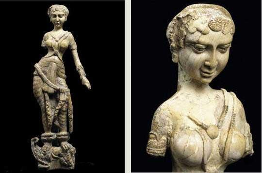 Statue en ivoire de Begram